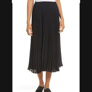 Vince Pleated Chiffon Skirt in Black